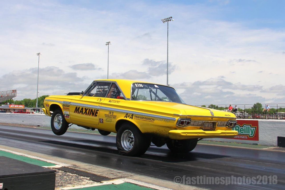 A little #moparmonday treat for everyone!  Remember the Chrysler Power Classic will be here on May  17 - 18.  #mopar #chrysler #nationaltrailraceway #ohiodragracing #dodge #moparnationals #chryslerpowerclassic #ohio #columbus – at National Trail Raceway