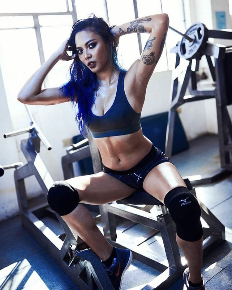 I LOVE this photo of @CrystalMNL . She's one hot fitness model! #HappyBirthday #FabulousLook 💎💎💎🇵🇭