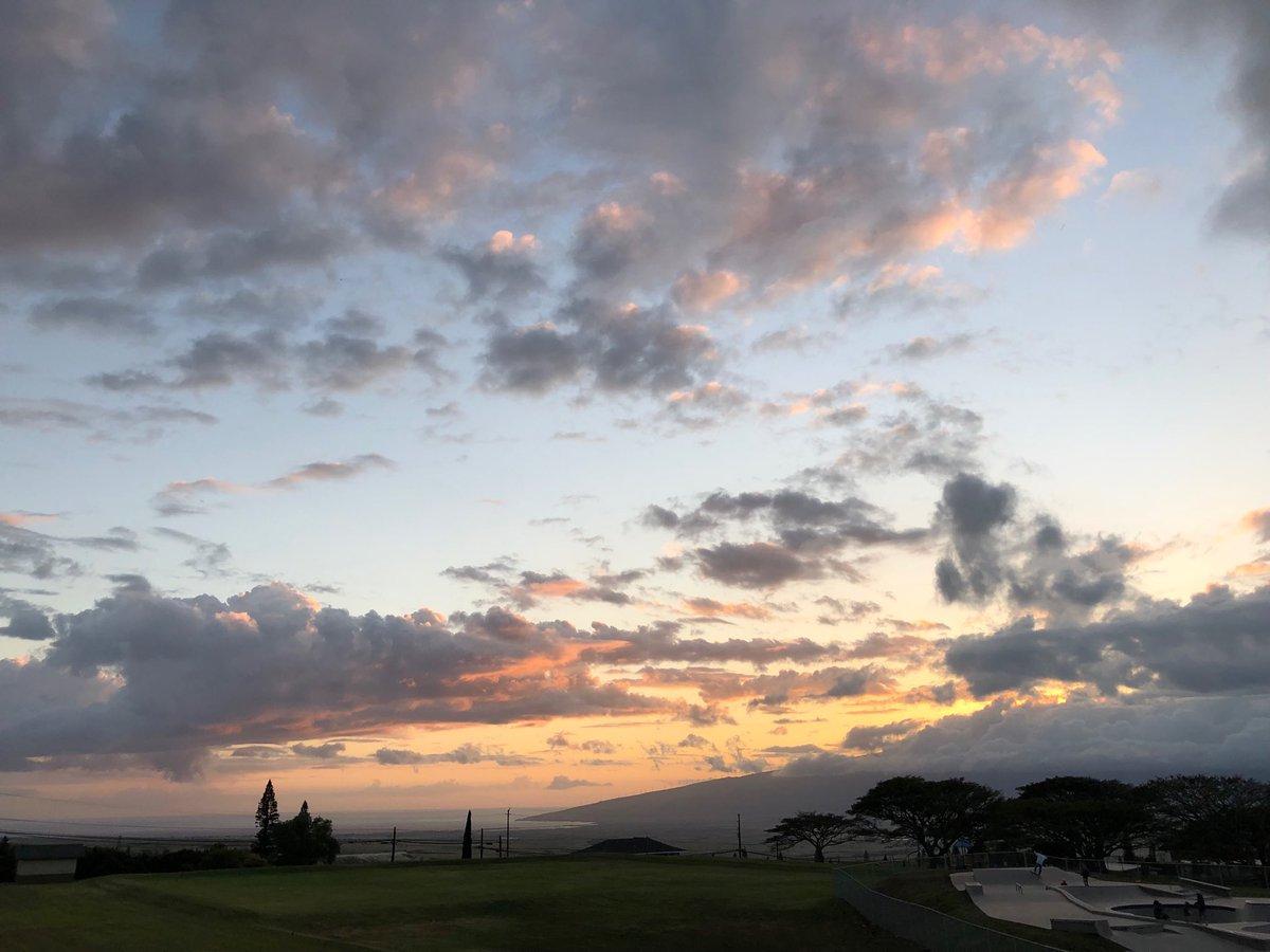 test Twitter Media - Cooling in Pukalani at sunset. #cmweather #Maui #sunset https://t.co/95cQy9LnzS