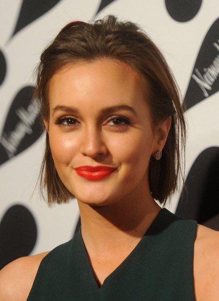 I look up to my mom. She\s a beautiful woman. Leighton Meester Happy Birthday Beautiful Mam