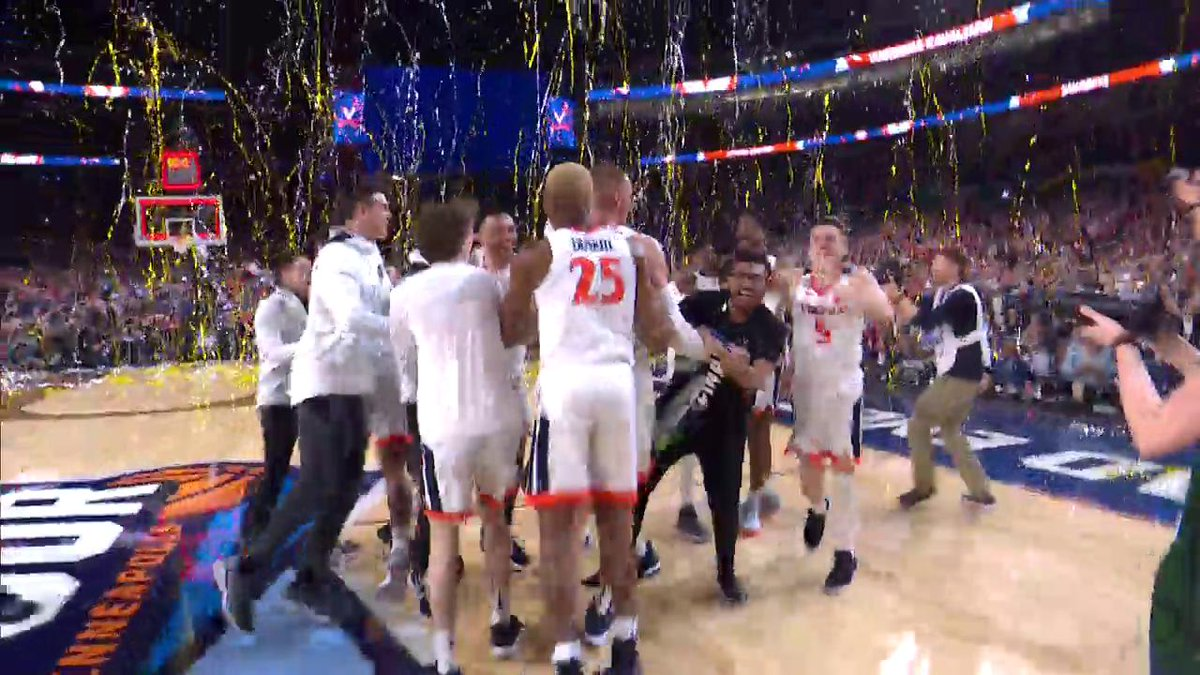 """""""It goes from stunned in Charlotte to redeemed in Minneapolis.""""  Soak it in, @UVAMensHoops 👏  #NationalChampionship"""