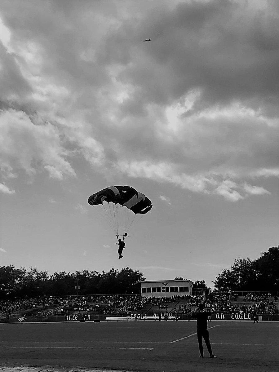 Army's Golden Knights @BrandonHSEagles @MclaneSchool