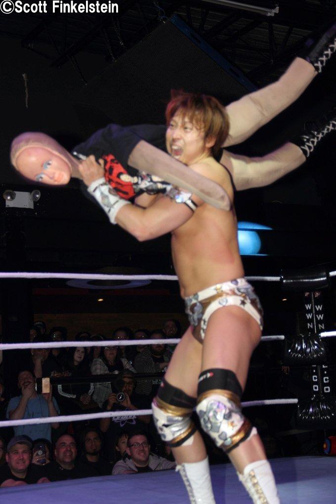 "DDT: ""DDT is Coming to América"" Tetsuya Endo se corona 4"
