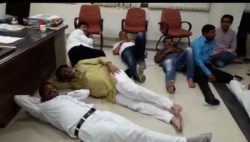 Congress MLAs on Dharna spend night inside Director of Agriculture Chamber