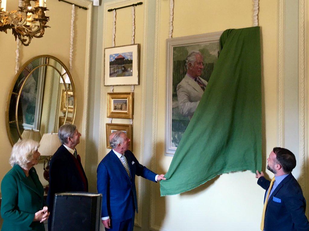 Принц Уэльский и герцогиня Корнуольская сегодня открыли недавно отреставрированный замок Хиллсборо