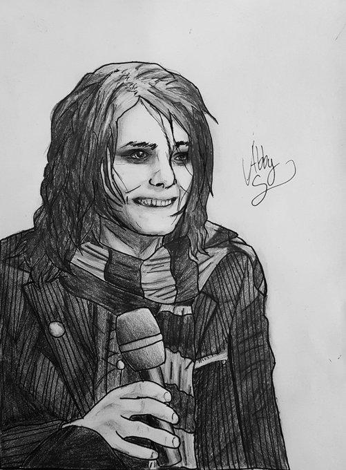 I drew Gerard Way! Happy birthday !!