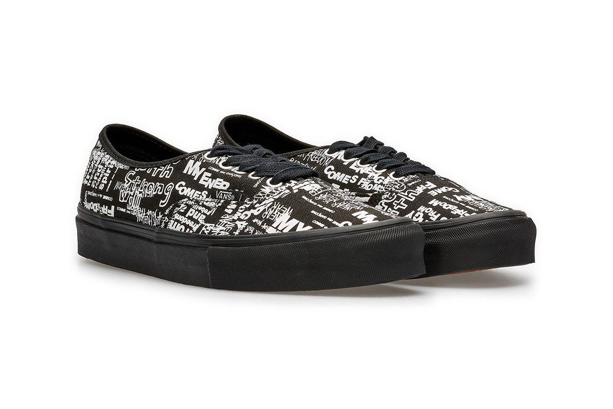 2981b9f64325 COMME des GARÇONS x Vans Authentic exclusively available in store at Dover  Street Market Londonpic.twitter.com/AwVFlYVqSY