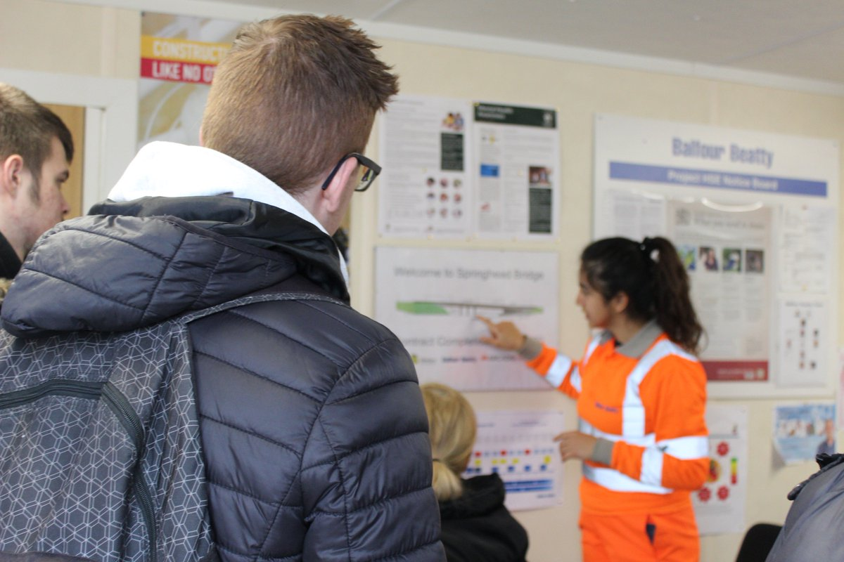 It might be the beginning of the #Easter holidays for most students, but a group of @ThamesviewSCH Yr 11's donned their #PPE & explored @balfourbeatty's Springhead Bridge site.  2 students were setting up Balfour Beatty job alerts as they left - we call that a successful visit!