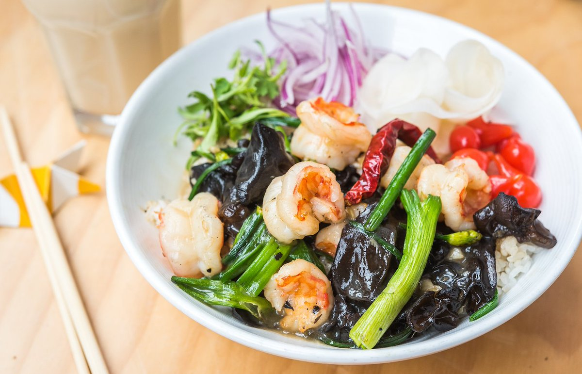 Is it #lunchtime yet? Enjoy our colorful Maestro Wong #donburi bowl made with Pacific wild 🍤, fermented black bean, & wood ear mushroom