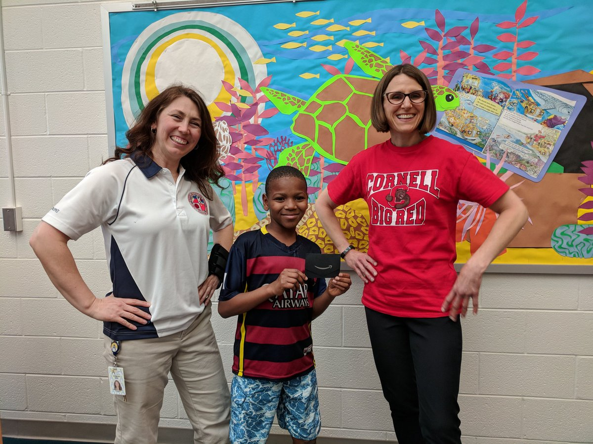 Our friend was so excited to win an Amazon gift card for participating in March Book Madness! Reading FTW! <a target='_blank' href='http://twitter.com/APSLibrarians'>@APSLibrarians</a> <a target='_blank' href='http://twitter.com/APSGunston'>@APSGunston</a> <a target='_blank' href='http://search.twitter.com/search?q=mbm19'><a target='_blank' href='https://twitter.com/hashtag/mbm19?src=hash'>#mbm19</a></a> <a target='_blank' href='http://search.twitter.com/search?q=NationalLibraryWeek'><a target='_blank' href='https://twitter.com/hashtag/NationalLibraryWeek?src=hash'>#NationalLibraryWeek</a></a> <a target='_blank' href='https://t.co/6zLtuY5KOs'>https://t.co/6zLtuY5KOs</a>