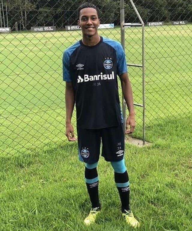 Wilmar Stiven Rivas estuvo entrenando con el Gremio de Brasil