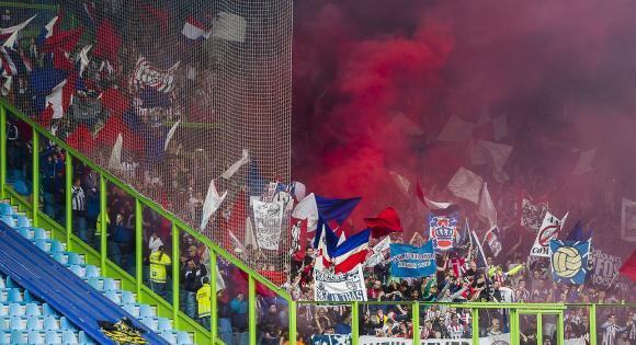 Nog iets minder dan een maand en dan staat de bekerfinale op het programma!  Willem II: 17.500 kaarten (auto- en buscombi)  Ajax: 15.000 kaarten (bus- en treincombi)