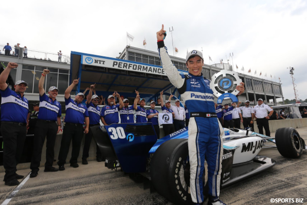 "Takuma Sato, who is supported by ANA, won Indy Car Grand Prix of Alabama! This was his forth title, and his first win from pole position☆ With his motto, ""NO ATTACK NO CHANCE"", he keeps on challenging and got to the top! Congratulations!!"