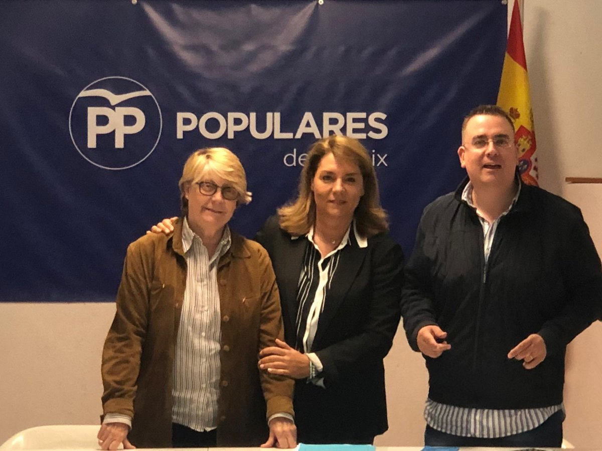 Ayer por la tarde-noche en la sede del PP de Patraix, impartiendo un curso de interventores y apoderados y después escuchando a nuestra candidata al Senado @SusanaCamarero. #PopularesValorSeguro #FemPartit