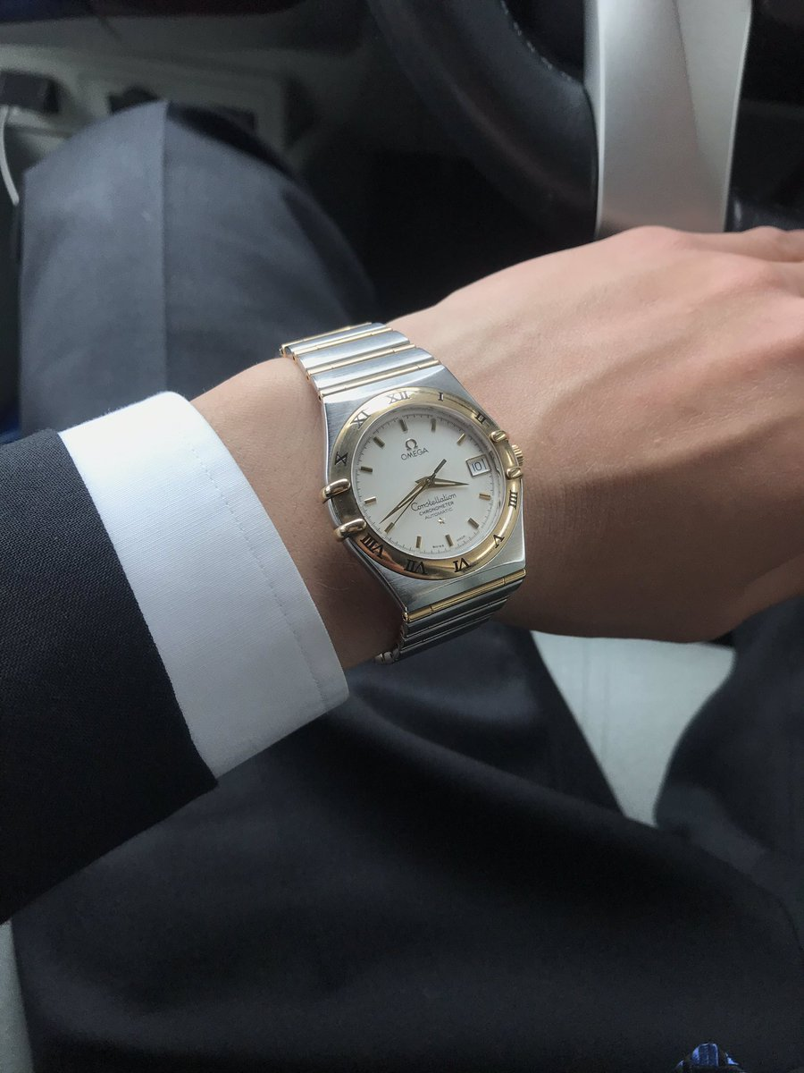 就職祝いで、お父ちゃんから時計もらったけどチンピラ臭えしそもそも装飾系つけない人なんでラクマで売ります
