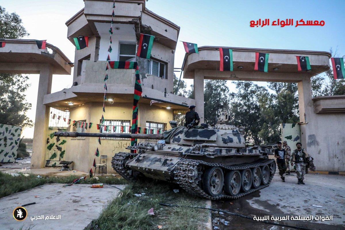 ليبيا: طرابلس تعلن الاستنفار لمواجهة قوات حفتر - صفحة 4 D3xwlR2WwAAfuBU