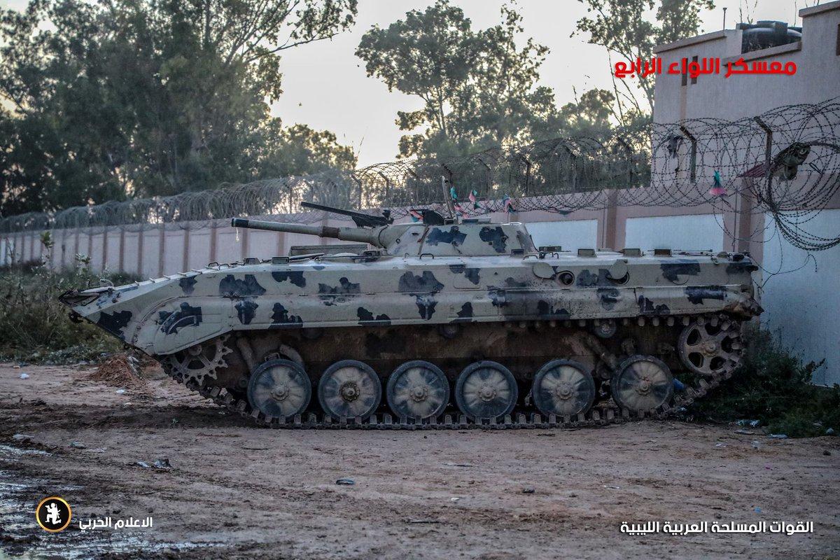 ليبيا: طرابلس تعلن الاستنفار لمواجهة قوات حفتر - صفحة 4 D3xwlwbWwAA9cc_