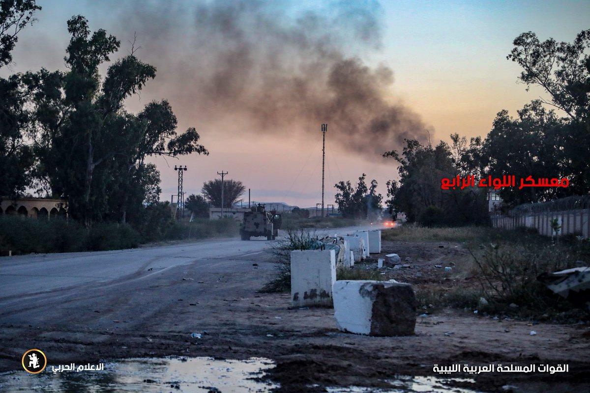 ليبيا: طرابلس تعلن الاستنفار لمواجهة قوات حفتر - صفحة 4 D3xwmQIWwAAC8M7