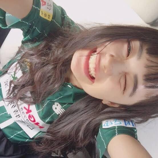 いつもこの笑顔に励まされてます! 自信が無いときや元気がない時に佳奈ちゃんの曲聞いたりするとめっちゃ元気が出て笑顔になれます! いつもほんとにありがとう 4月から高校生になって色々不安だけど佳奈ちゃんの曲きいて毎日サッカーと勉強頑張ります そいえば4月8日で16歳になりました @kana1014lm