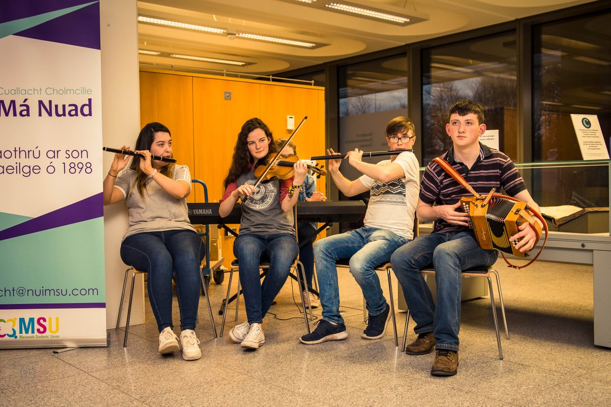.@CuallachtMaNuad is just one of over 100 clubs and societies available for #Maynooth students to join at #MaynoothUni @OnaGaeilgeMU  @maynoothsu