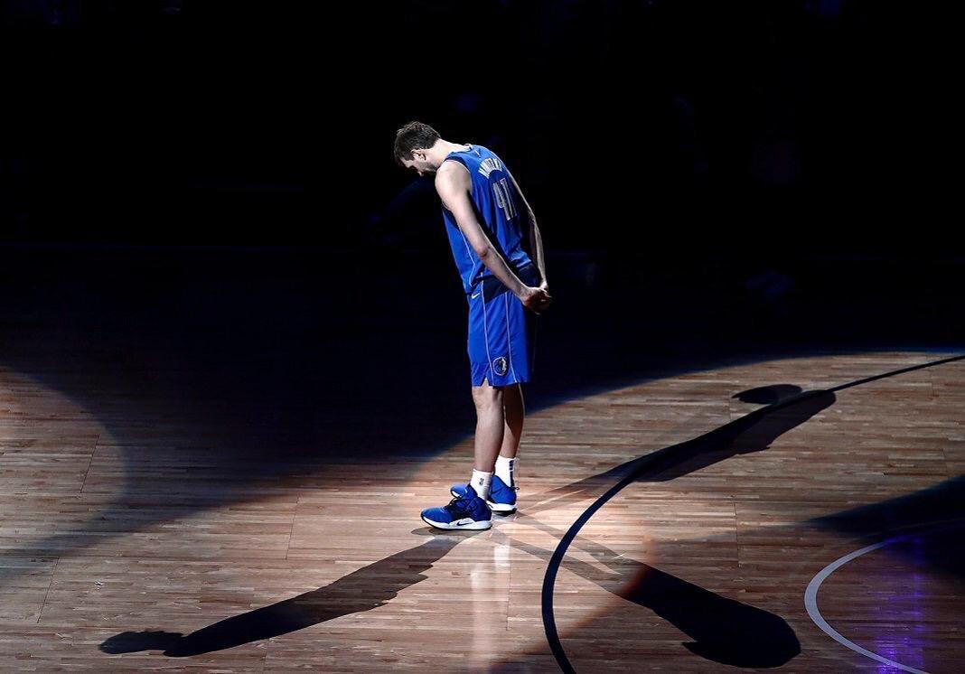 Ayer se despidió de la @NBA una leyenda después de 21 temporadas en Dallas. Eres un ejemplo @swish41 para todos los que nos gusta este deporte. 👏