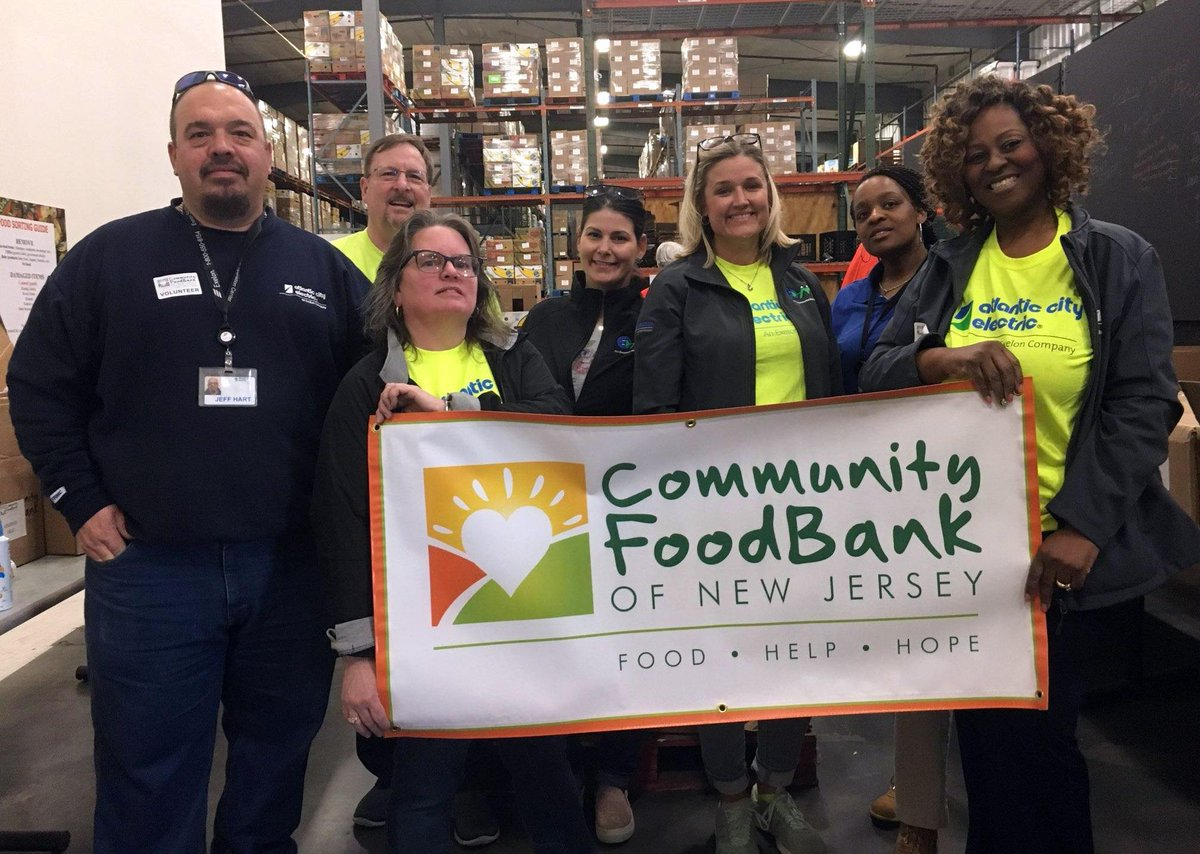Atlantic City Electric employees recently volunteered at the @CFBNJ - Southern Branch, stocking shelves and packing boxes with donated food items for residents in need. #NationalVolunteerMonth