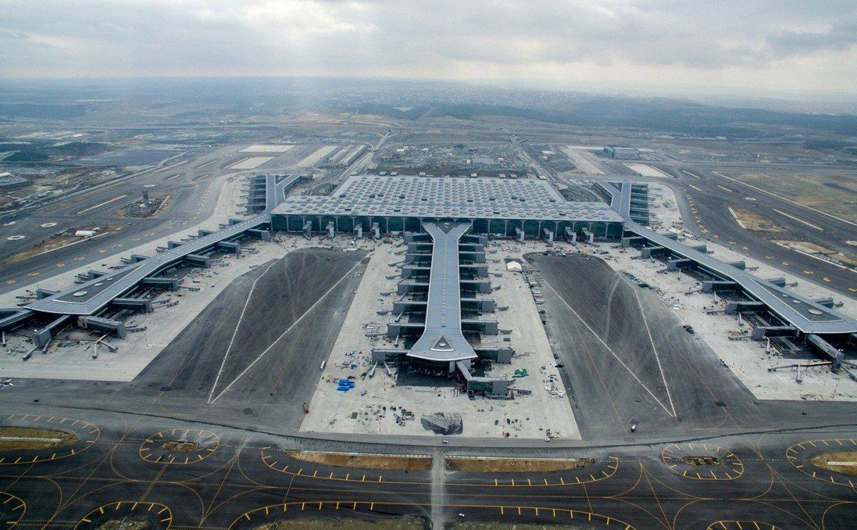 Seguramente Turquía no tiene pobres y por eso hicieron este nuevo aeropuerto en Estambul. ¡Ah, no! ¡Sí los tiene, y se construyó para crear empleos, atraer más turismo, y salir de pobres!¡Mira tú qué desorientados!
