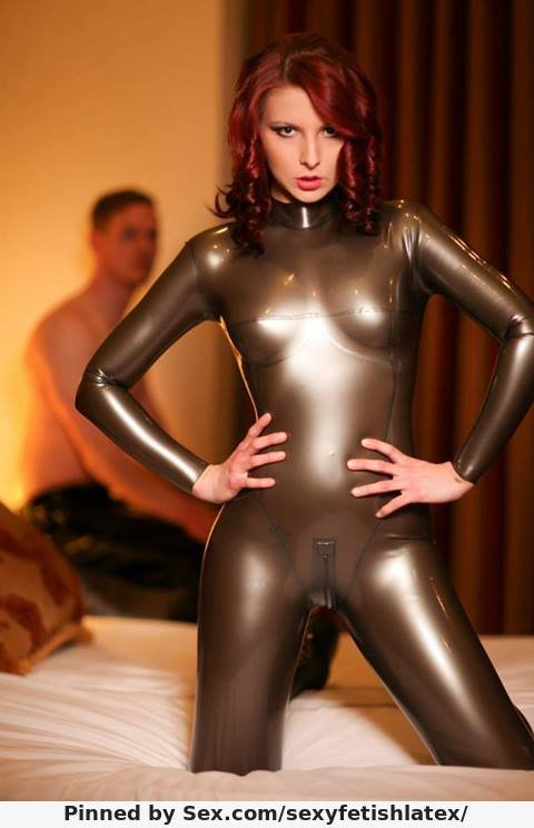 Videos of girls in rubber panties — img 15