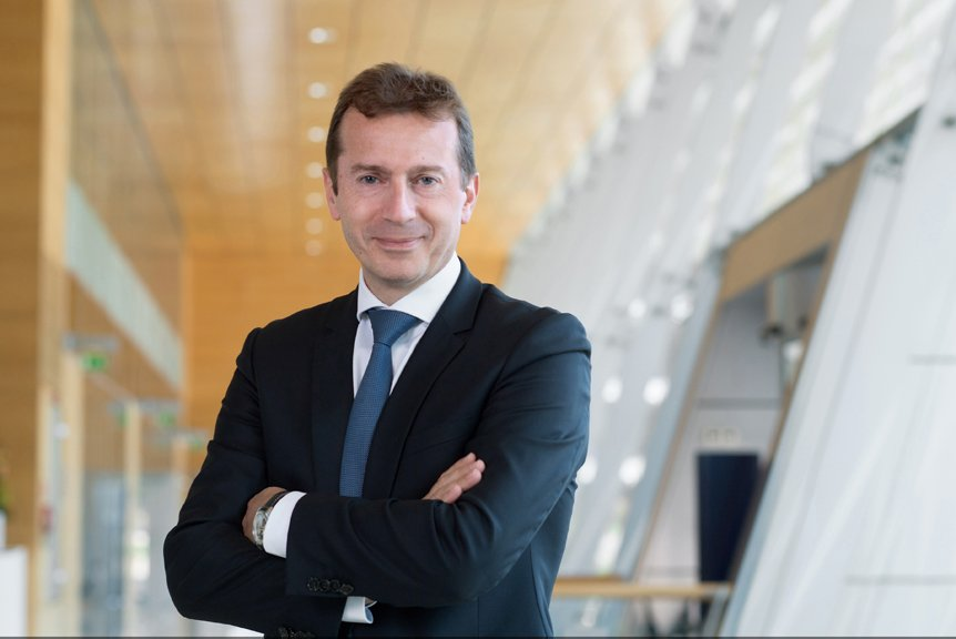 Airbus shareholders approve all AGM resolutions, @GuillaumeFaury appointed CEO http://bit.ly/2U9h86z