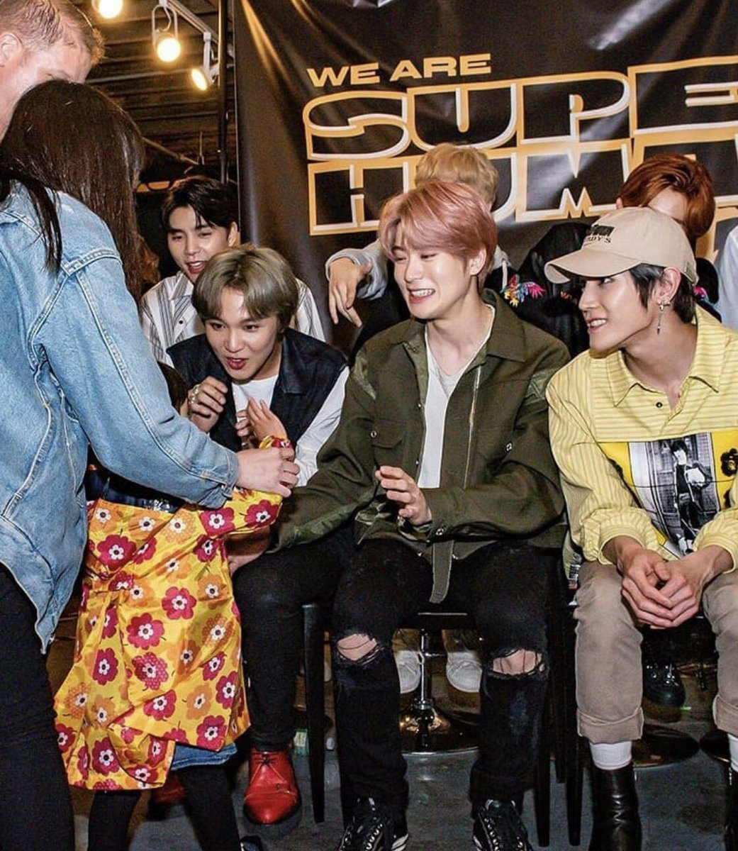 190422 ♡ NCT 127 Fanmeet  Still can&#39;t get over Jaehyun preciously smiling at the cute little girl!  <br>http://pic.twitter.com/8bA9BjbL8E