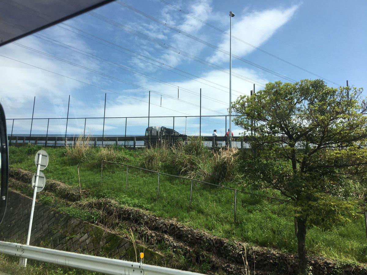 東名阪道の蟹江IC付近でトラック横転事故の現場画像