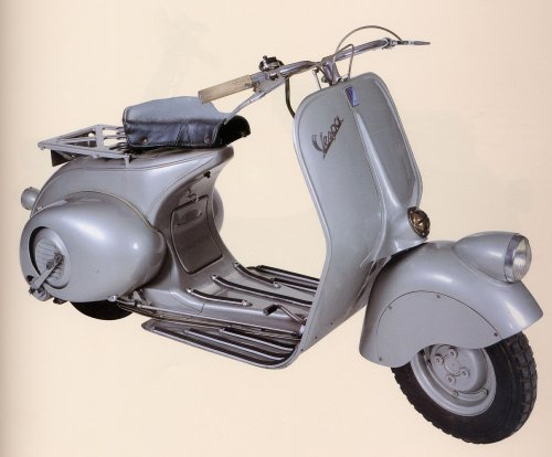 """73 years ago today (23 April 1946) the #Vespa scooter was granted a patent for a """"motorcycle of a rational complexity of organs and elements combined with a frame with mudguards and a casing covering the whole mechanical part"""" https://bit.ly/2ohfjcM"""