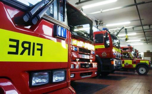 Another moorland fire has broken out in Meltham near Huddersfield. About 10 fire engines are in attendance. #CapitalReports