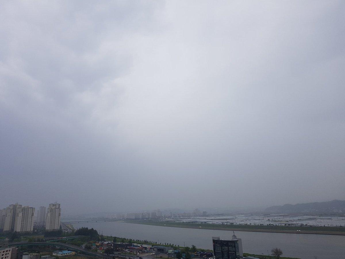 흐리고 비 오는 날씨에는 역시 부침개가 맛있지~😊 #흐린날 #비오는날 #부추전