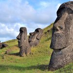 Image for the Tweet beginning: In Easter Island (AKA Rapa