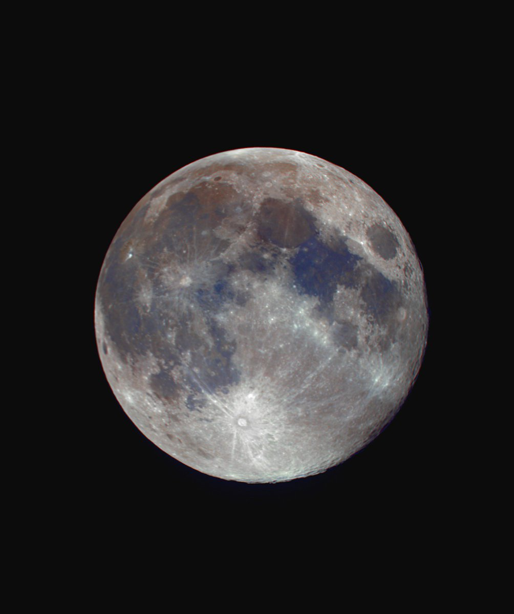 Fri 19th April full moon. Saturated to bring out some of the colour in the soils. I&#39;m still finding the whole extracting colour process quite trying, but I know more than what I did.  I&#39;m definitely a mono moon fan! <br>http://pic.twitter.com/9VYaWt9c5K