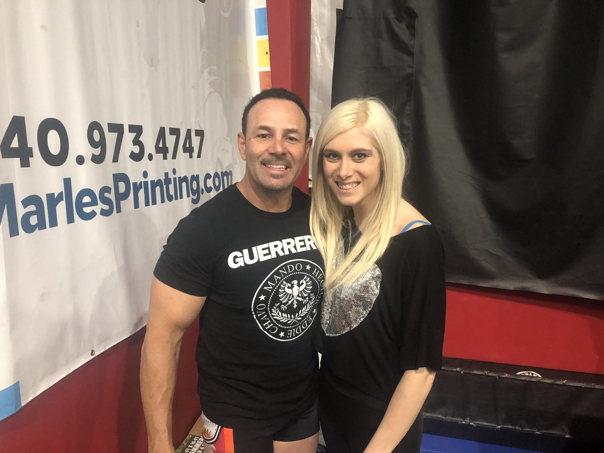 You get to meet some pretty cool people and pick the kinds of legends! Thanks to @mexwarrior and @itsjerrylynn