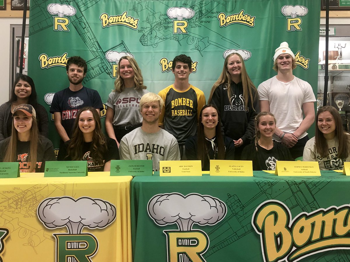 1st signing ceremony of the season in the books. @bomberathletics send 13 athletes next level across 7 different sports 📝✅