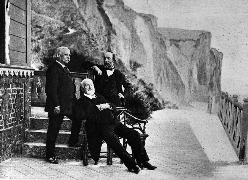 Victor Hugo, Voltaire, Hemingway ou George Orwell : après le choc émotionnel d'un événement, le livre devient un refuge pour faire société. franceculture.fr/emissions/le-b…