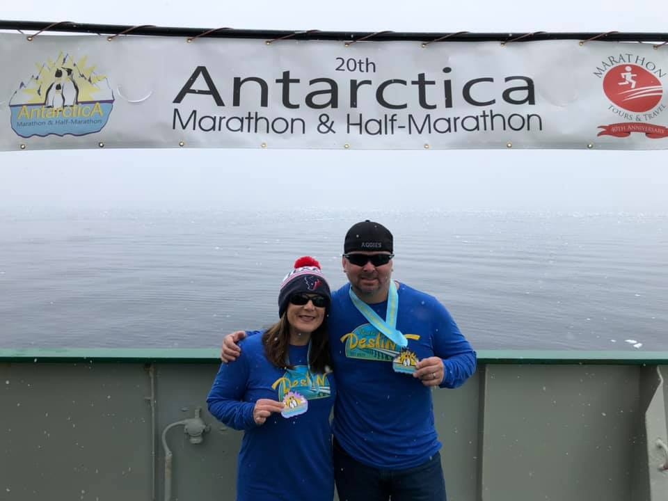 """It looks like you're running on a different planet. It was wild."" Read about the Santa Rosa Beach couple that ran a marathon in #Antarctica @nwfdailynews  https://bit.ly/2ZsmYng  @BrendaSnwfdn @NickTNWFDN #sevencontinentsclub"