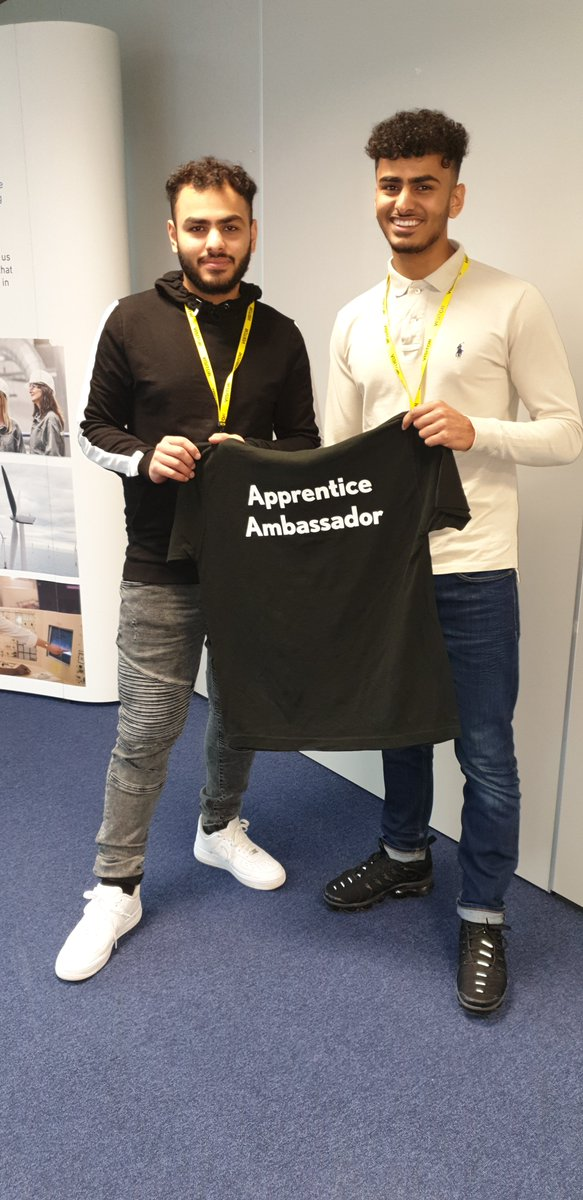 At the YAAN training it was all about brotherly love today, both Hossain and Maitham attended the training together,  Strike a pose!! 😉 nice meeting you both today! @Apprenticeships @FireItUp_Apps @EMAAN_YAAN