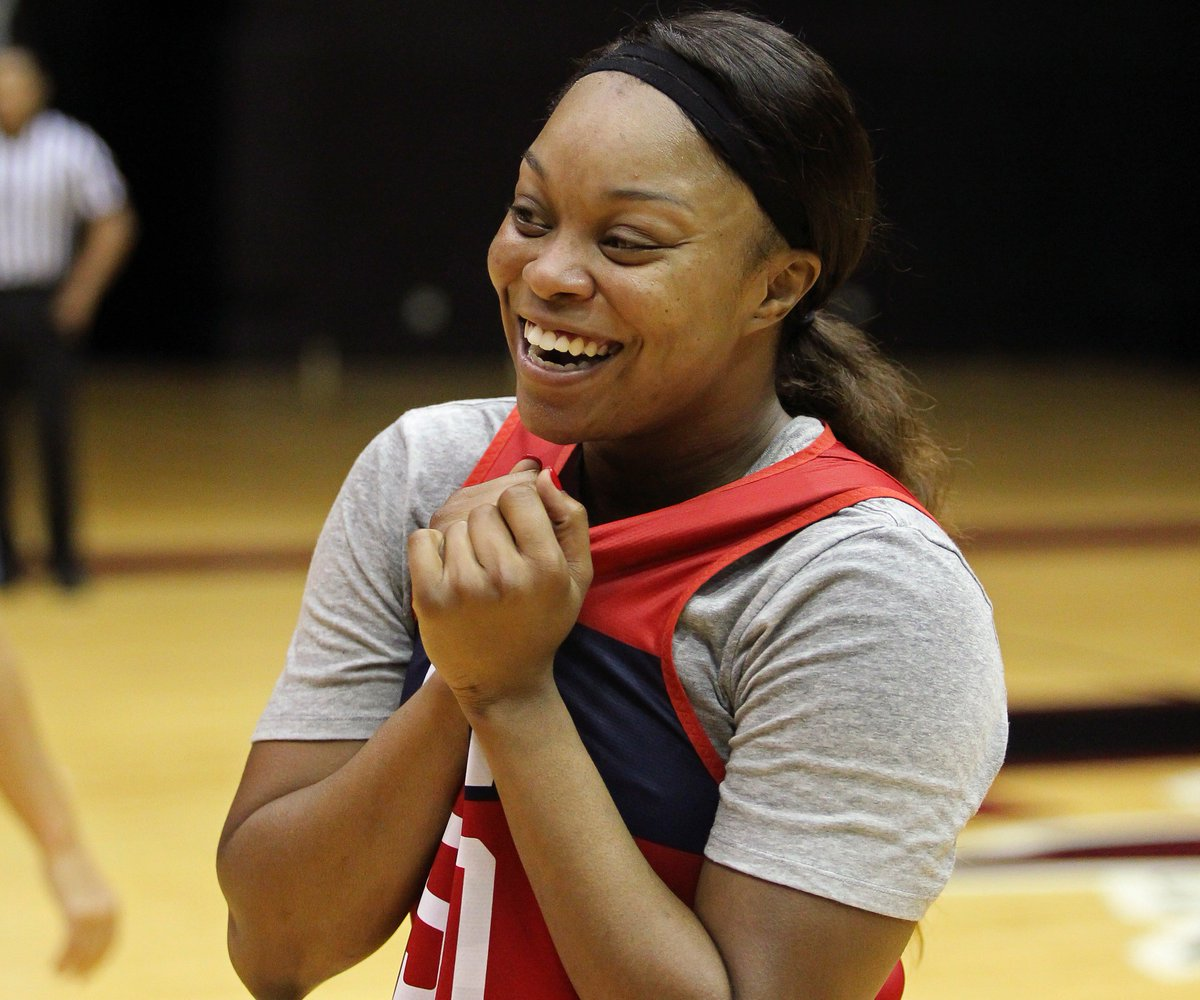 01d32241ff6198 Lynx fans are going to love her. Read   https   lynx.wnba.com news odyssey-sims-is-a-perfect-fit-for-the-lynx  …pic. twitter.com QYJasO0CMW