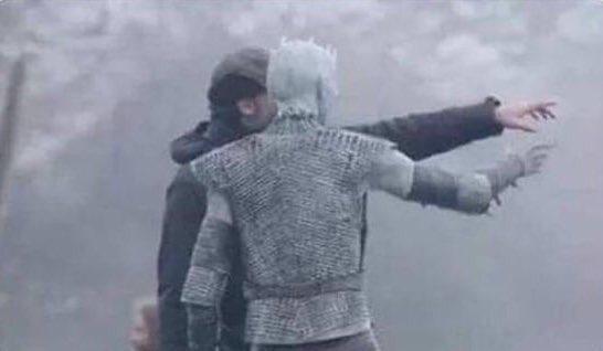Udhar Winterfell hai, baad mei jaana abhi sab log sex kar rahe hain.