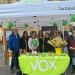 Image for the Tweet beginning: #SantJordi intenso en #Mataró por