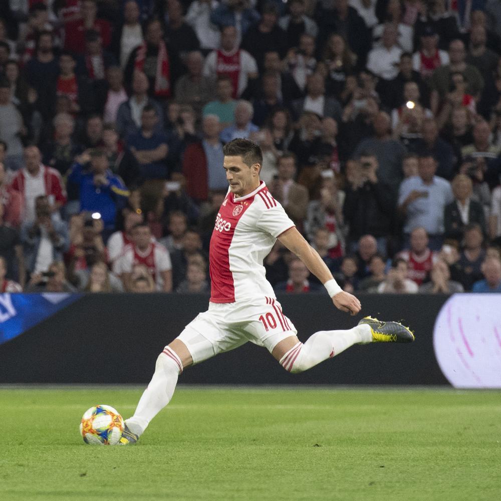 Dusan Tadic x @Eredivisie this year:  23 ⚽️ 13 🅰️  🔥🔥🔥  #ajavit