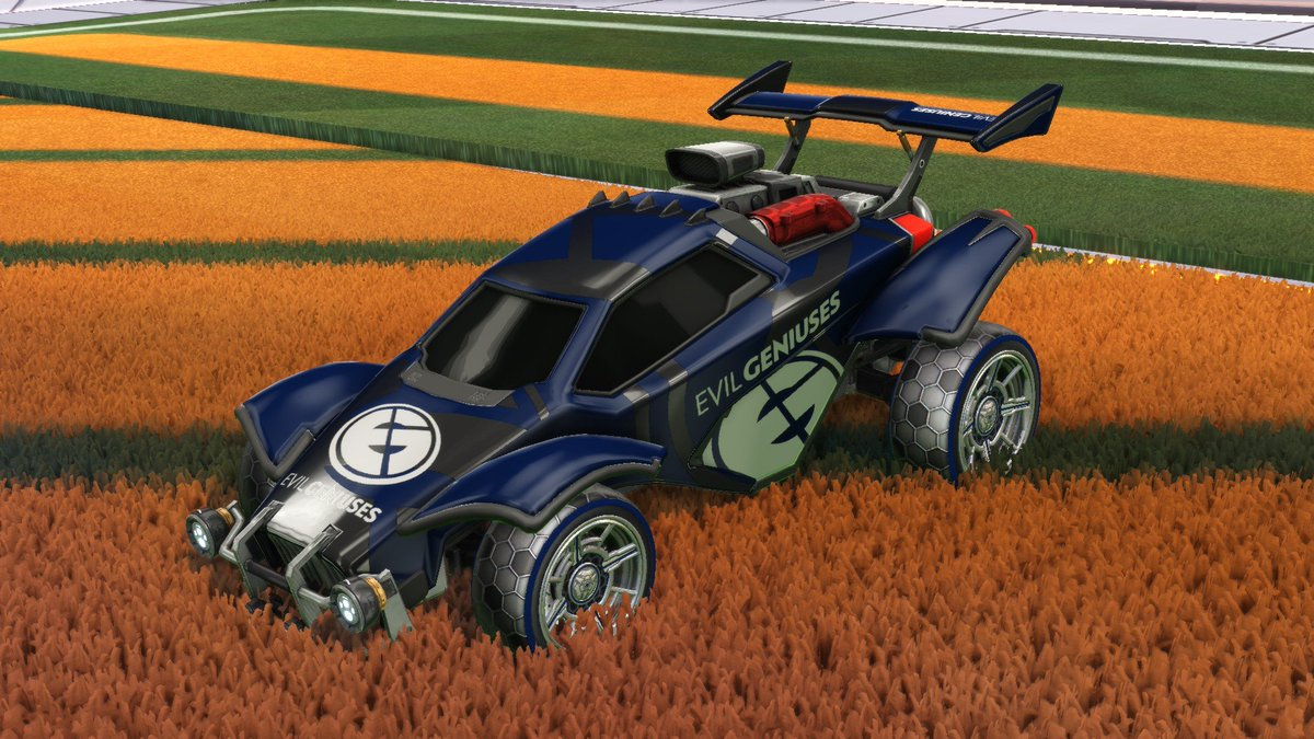 Today we're giving away a complete EG Rocket League Esports Shop bundle!  To enter, RT and make sure you're following the team and us! We'll be picking a winner after our match against @Splyce tonight at 6:00PM EST! #EGReady  @CorruptedGabe ⚽️ @Klassux ⚽️ @DrippayRL