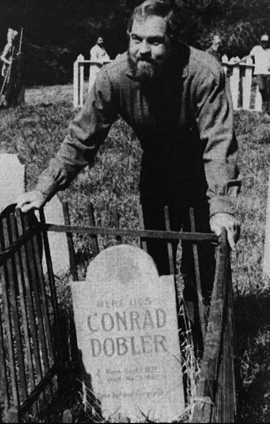 #Rams Hall of Famer Merlin Olsen was no fan of former #BigRed guard Conrad Dobler. In fact, he had Dobler&#39;s name scribed on a tombstone in a Father Murphy episode.<br>http://pic.twitter.com/EbH36TYU50
