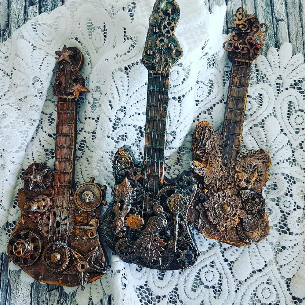 "Reposting @anja_vanderform:  ... ""Moving on in the back of the closet 3 mini toyguitars with @craftangles  art waxes.""  #craftangles #hndmd #artwax #art #guitarpic.twitter.com/E0vMuGIG5h"