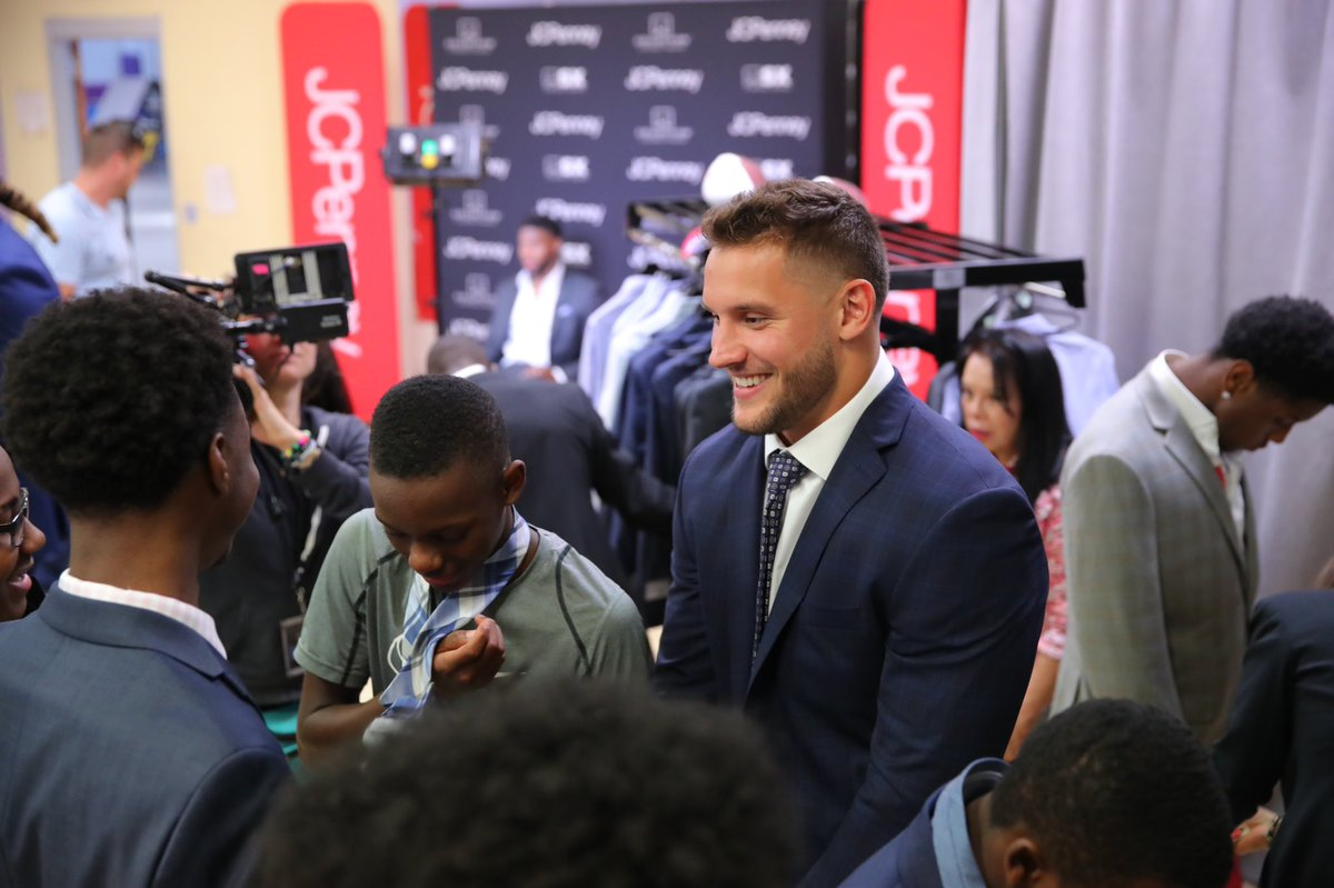 I partnered with @mbymstrahan and @jcpenney to discuss leadership with the young men from Boys and Girls Club of Nashville. Each of them left with a new suit from COLLECTION by Michael Strahan. #RaiseYourGame #ad