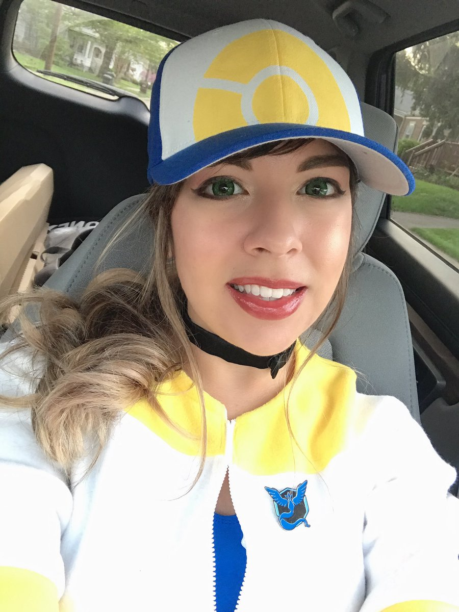 Yayyyy! Finished my quick little shoot for my Pokémon Go trainer! The shots came out super cute, can't wait to post them soon  <br>http://pic.twitter.com/66i2swzTP3